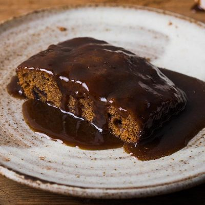 stick-toffee-pudding-with-sauce